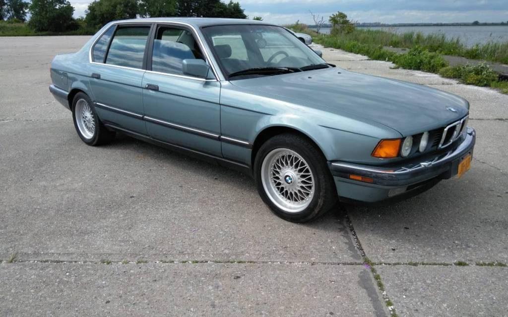 1989 BMW E32 750IL V12