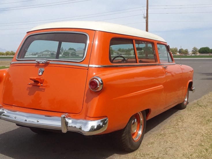 1952 Ford Two-Door Ranch Wagon Hot Rod