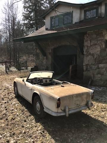 1962 Triumph TR4 Barn Find – $2,700 | GuysWithRides com