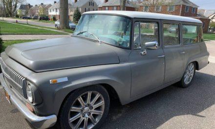 1968 IH Travelall & 2008 Chrysler Aspen Restomod – $17,000 or B/O