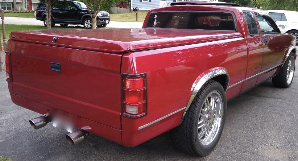 1995 Dodge Dakota Chopped Top Hot Rod Pickup – $10,500