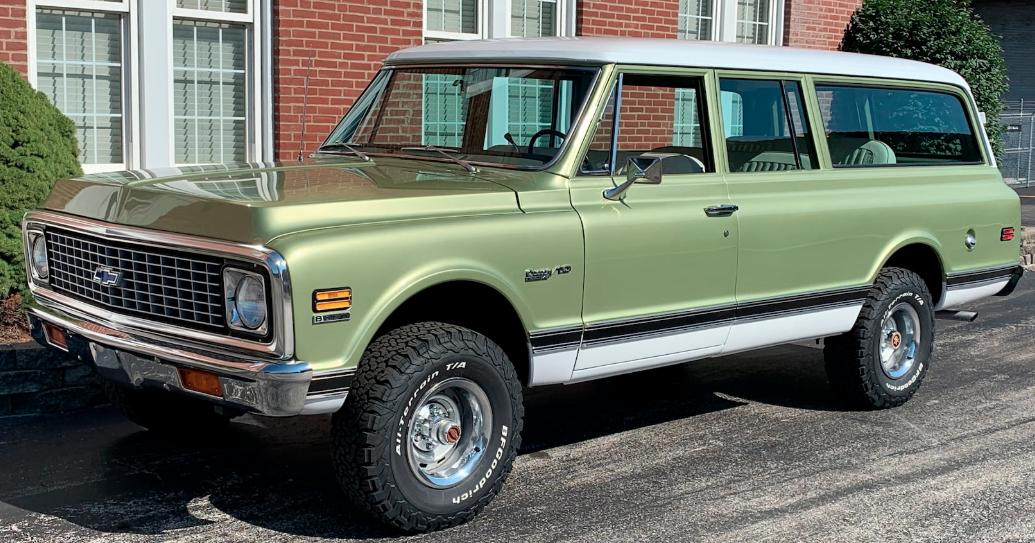 Mecum Harrisburg 2019 Lot F10: 1972 Chevrolet Suburban Custom Deluxe 4×4