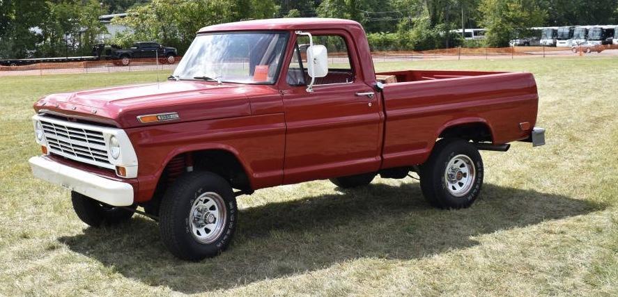 1969 Ford F100 Styleside Short Bed 4×4 V8/4-Speed Restored – $18,000