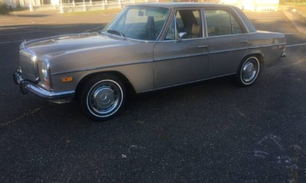 Slow Class: 1972 Mercedes-Benz W115 220D Sedan! – $5,900