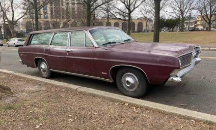 At a Loss:  1968 Ford Country Sedan Station Wagon – SOLD!
