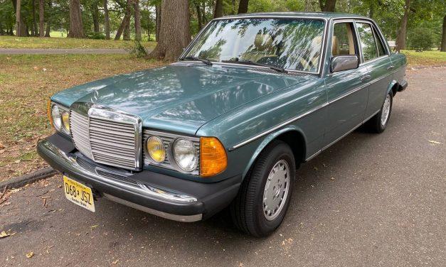 Receipts Rule: 1982 Mercedes-Benz W123 300D Sedan – $7,000