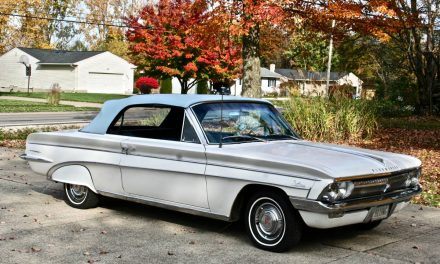 Compact Cutlass: 1962 Oldsmobile F-85 Convertible – SOLD!