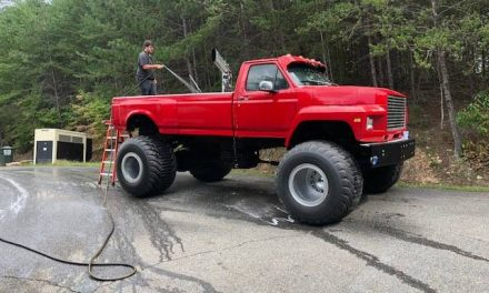 Classifind Cut: 1980 Ford F800 4×4 – $16,500