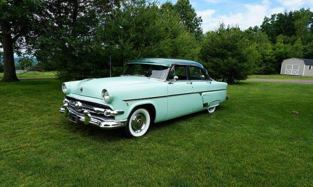 Tempting Turquoise: 1954 Ford Crestline Four Door Sedan – $15,900